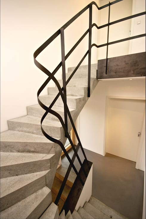 Corridor & hallway by Udo Ziegler | Architekten