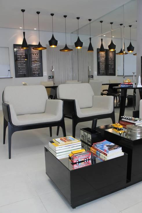 Sala de Estar e Jantar: Salas de estar modernas por Lorena Loureiro  Arquitetura e Interiores