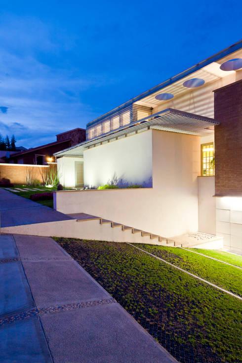 RESIDENCIA R: Casas de estilo moderno por ARQUITECTURA EN PROCESO