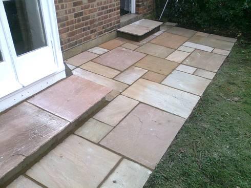 Garden paving :  Garden  by Quality Outdoor Rooms
