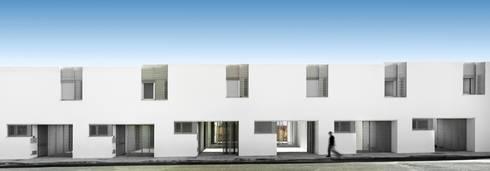 Vista exterior:  de estilo  de gabriel verd arquitectos