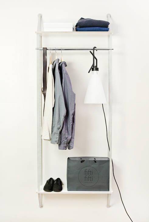 backpack Wandregalsystem:  Wohnzimmer von fifti-fifti