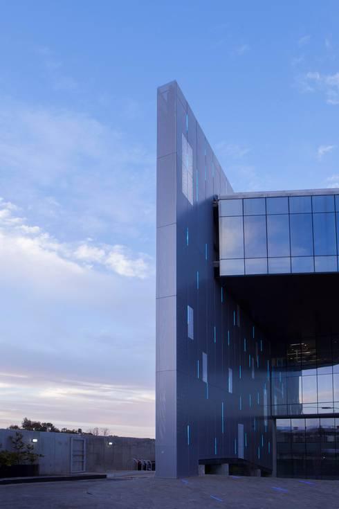 Constituyentes 1072: Casas de estilo moderno por Taller David Dana Arquitectura