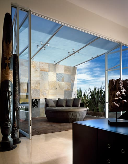 M House : Terrazas de estilo  por Micheas Arquitectos