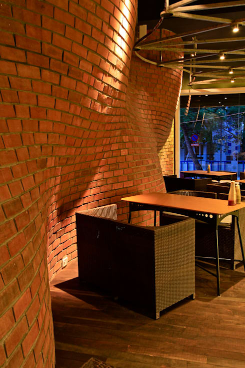 Cake Walk Bakery&Coffee House:  Commercial Spaces by Balan & Nambisan Architects