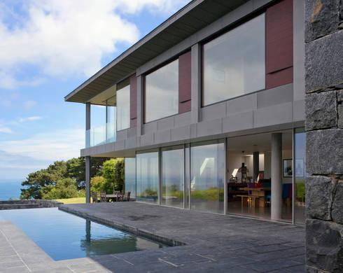 Couin de Vacque: modern Pool by JAMIE FALLA ARCHITECTURE