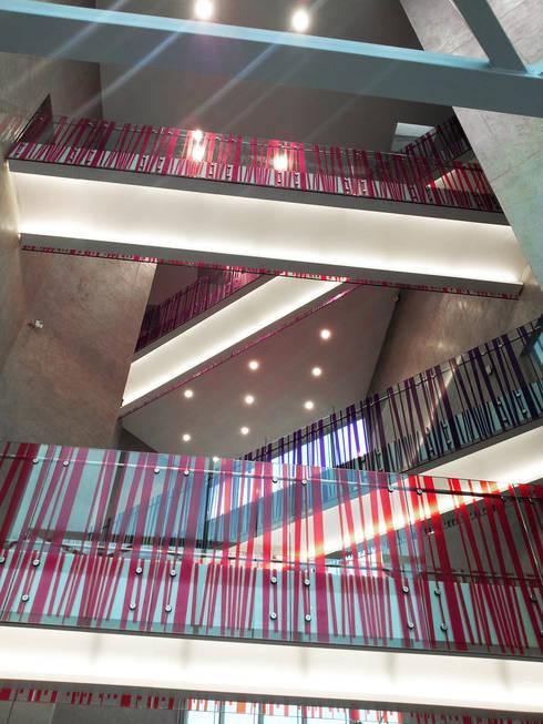 Malakoff Paul Bert: Bureaux de style  par braun + associés architectes