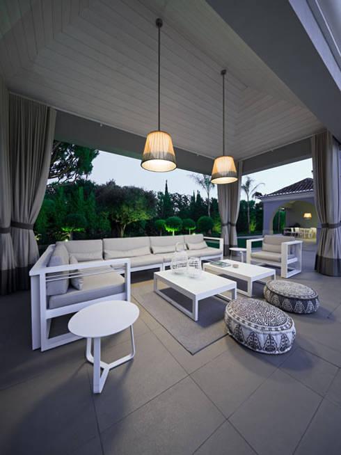 Project in Quinta do Lago:   por Reflexões Contemporary Design