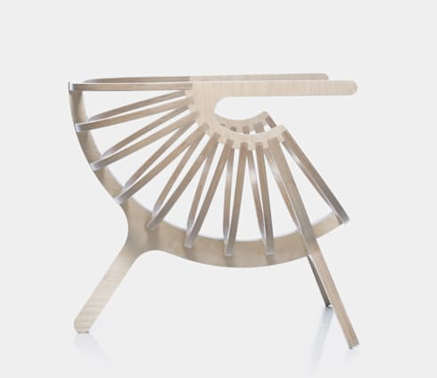 Shell Chair:  Living room by Branca Lisboa