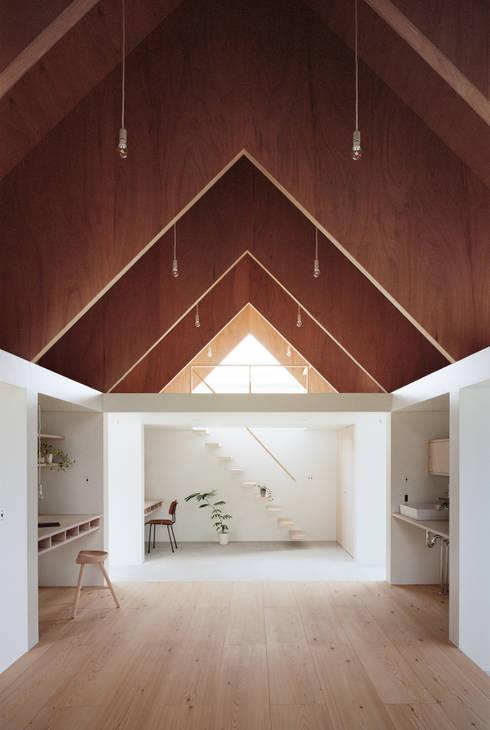 コヤノスミカ: ma-style architectsが手掛けた書斎です。