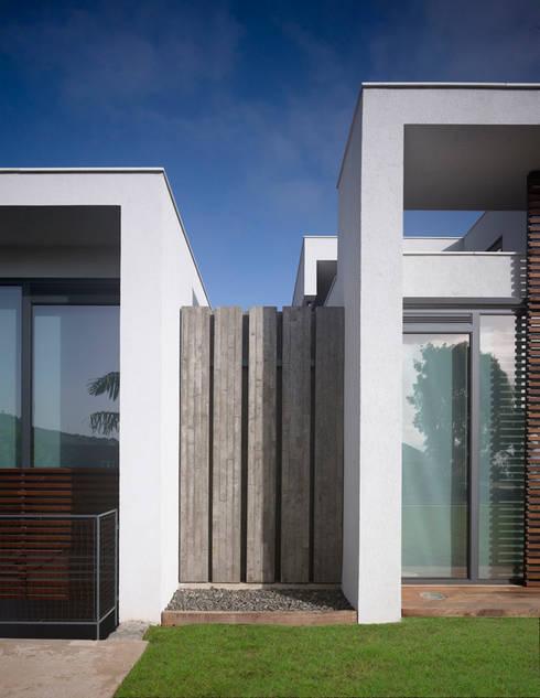 Casa Z:  de estilo  de Alonso + Sosa arquitectos