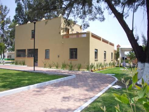 Remodelacion  y Restauracion Casa Lecheria: Casas de estilo rústico por JRK Diseño - Studio Arquitectura