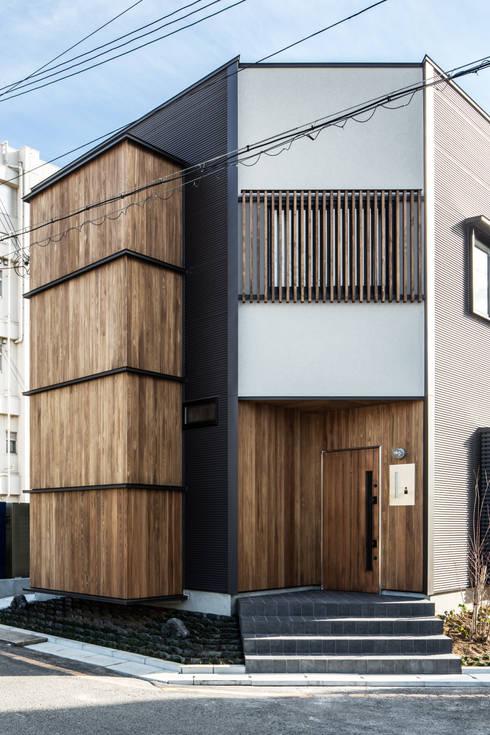 東長町の家: 辻岡直樹建築設計事務所㈱が手掛けた家です。