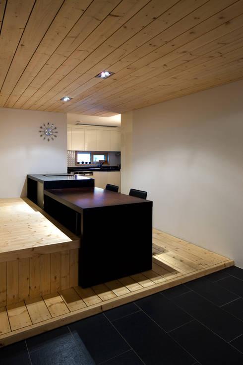 modern Kitchen by 무회건축연구소