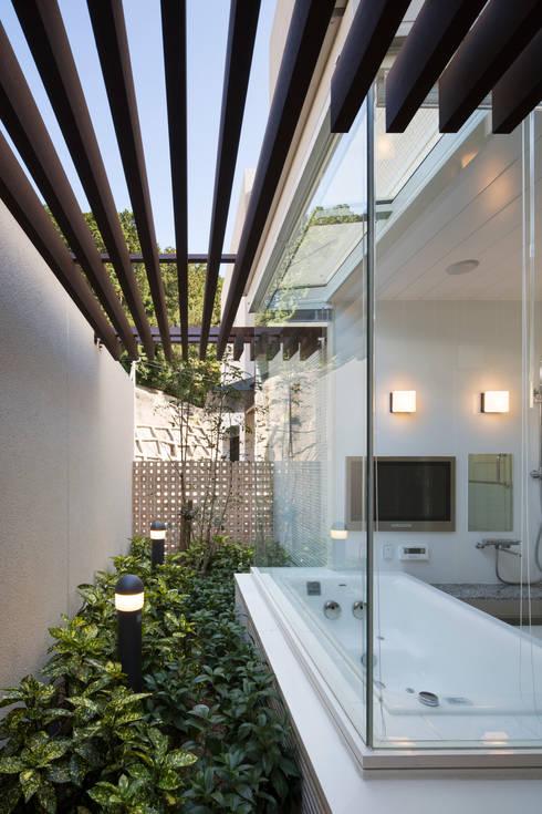 浴室2: 株式会社 U建築研究所が手掛けたスパ・サウナです。