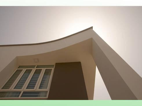 Residential Bungalow in Bhuj, Kutch.:   by Design Kkarma