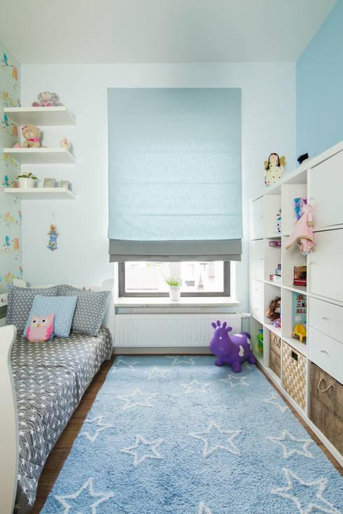 Warszawa - mieszkanie z nutką klasyki: styl , w kategorii Pokój dziecięcy zaprojektowany przez Art of home