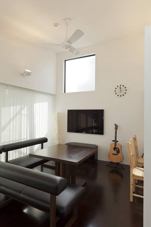 下丸子の住宅: アトリエハコ建築設計事務所/atelier HAKO architectsが手掛けたです。