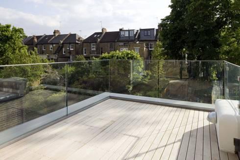 Huddleston Road:  Terrace by Sam Tisdall Architects LLP