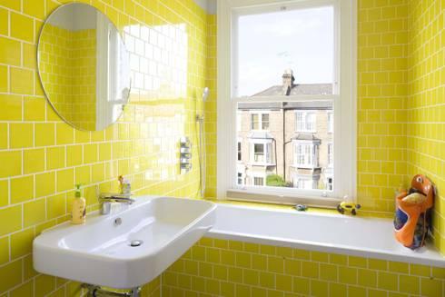Huddleston Road: modern Bathroom by Sam Tisdall Architects LLP