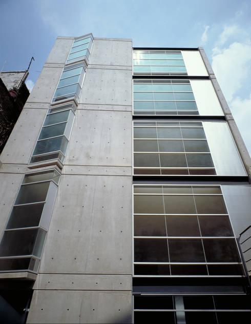 Cacahuamilpa 11:  de estilo  por Central de Arquitectura
