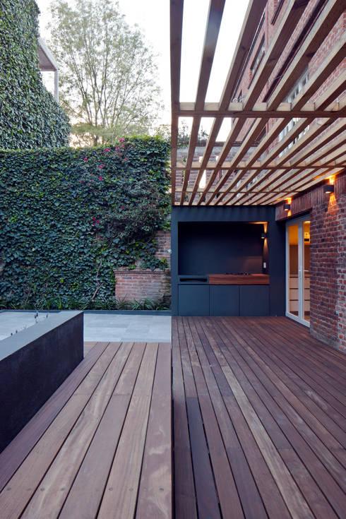 by DCPP Arquitectos