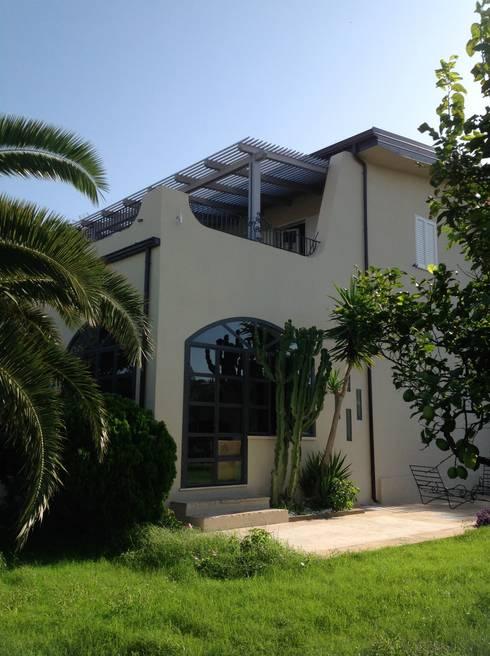 Villa con piscina di pucci saladino architects homify for Piani di progettazione domestica indiana con foto