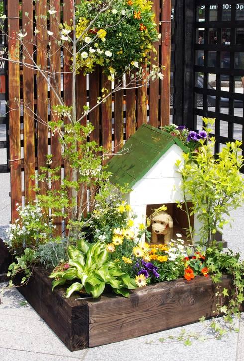 small garden 「散歩に行こう♪」: Green Style Forestが手掛けた庭です。