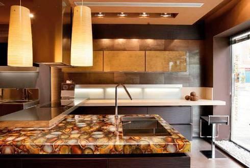 Carnelian Kitchen CounterTop: modern Kitchen by Stonesmiths - Redefining Stone-Age