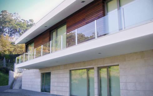 Moradia Pascoal: Casas  por EVA | evolutionary architecture