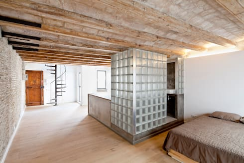 SALA: Pasillos y vestíbulos de estilo  de Alex Gasca, architects.