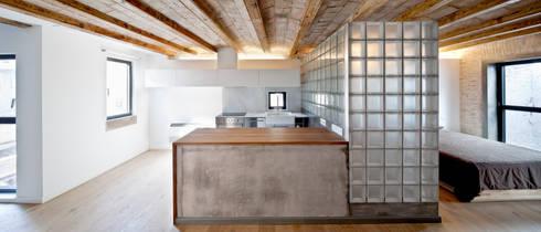 COCINA: Cocinas de estilo mediterráneo de Alex Gasca, architects.