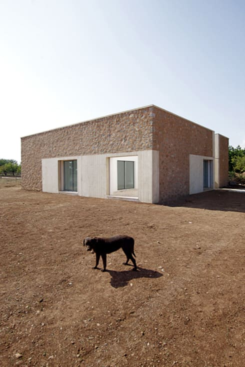 Can Lluís i n'Eulàlia:  de estilo  de TEd'A arquitectes