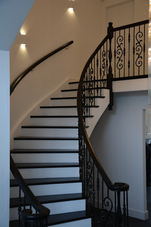 Clean lines: classic Corridor, hallway & stairs by Sovereign Stairs