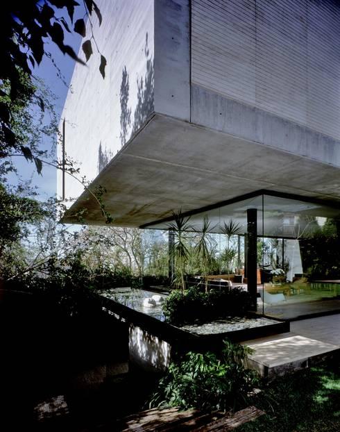 Casa La Punta:  de estilo  por Central de Arquitectura