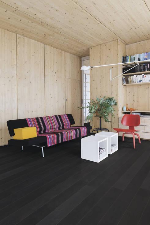 Paredes y pisos de estilo moderno por Quick-Step