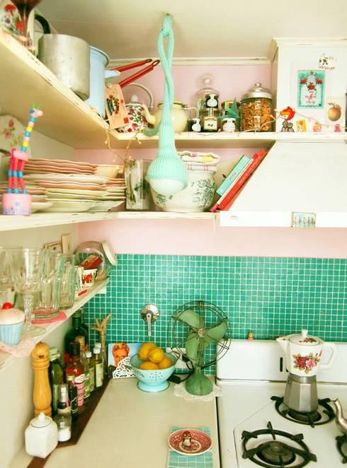 Víbora: Cocinas de estilo  por Mags Design