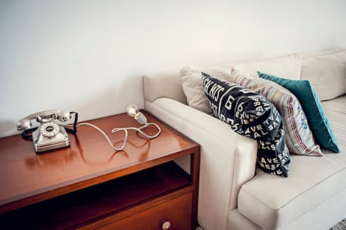 Creeper: Livings de estilo minimalista por Mags Design