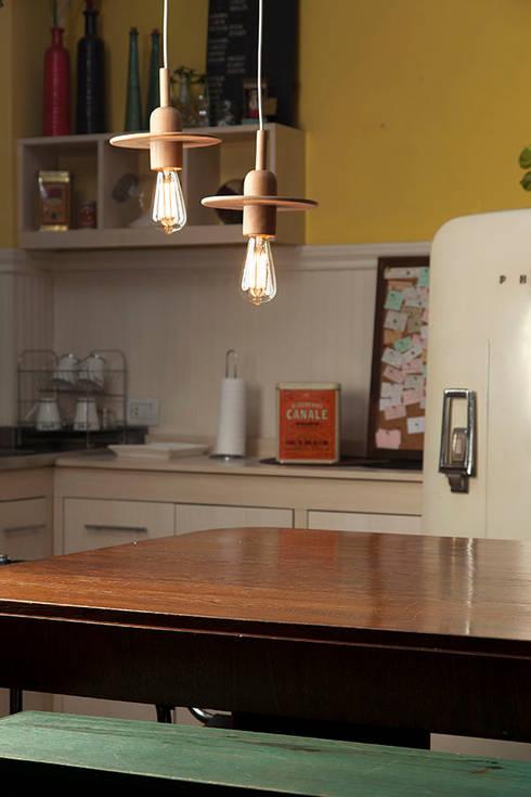 Spin: Cocinas de estilo escandinavo por Mags Design