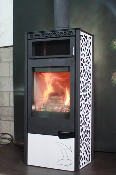 Soggiorno in stile in stile Classico di SINJIN Fireplaces