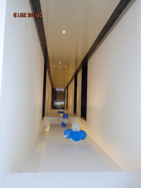 HOTEL KRISHNA INN:   by YOJNA ARCHITECTS