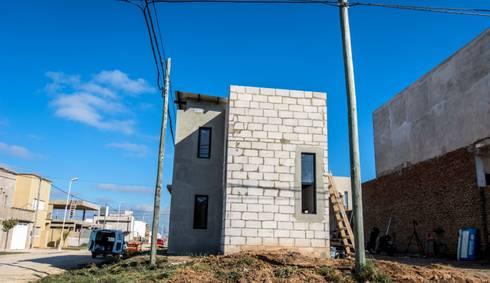 Seminario: Casas de estilo moderno por Cooperativa de Trabajo Habitat y Construccion la Integral Ltda.