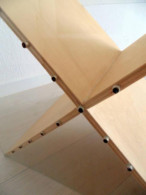 X: minimalistic Living room by ANDRE VENTURA DESIGNER