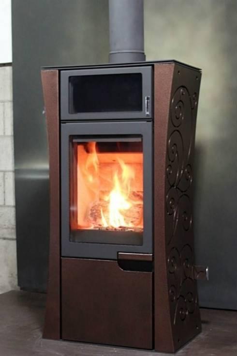 Soggiorno in stile  di SINJIN Fireplaces