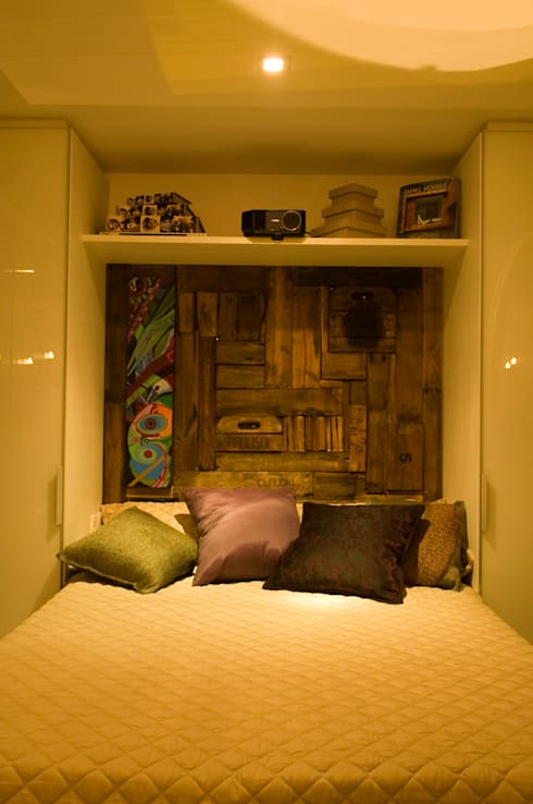 minimalistic Bedroom by Ferraro Habitat