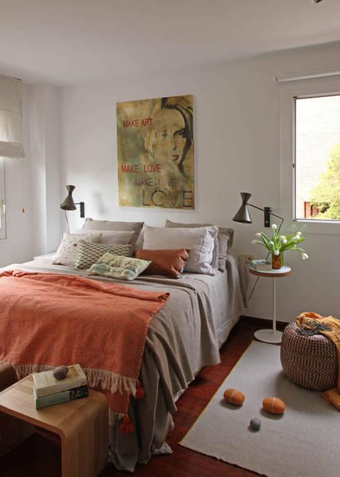 EG 4. Piso Barcelones: Dormitorios de estilo escandinavo de BONBA studio