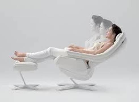 Natuzzi REVIVE, la primera butaca reclinable de altas prestaciones.: Hogar de estilo  por NATUZZI - Andares Guadalajara
