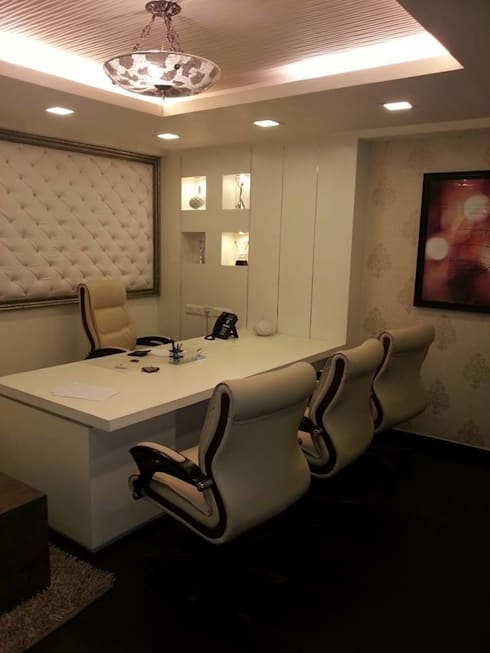 Office Earth infrastructure:  Office spaces & stores  by Studio Interiors Infra Height Pvt Ltd