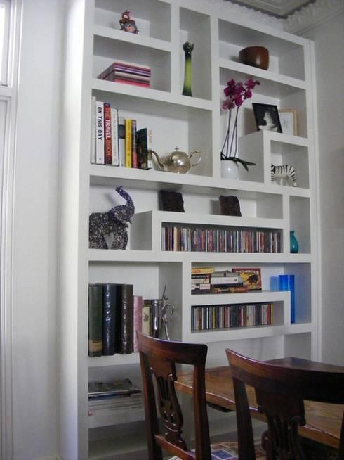 PORTFOLIO: modern Living room by Exploit Space
