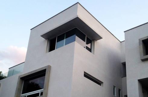 CasaTrinidad: Casas de estilo minimalista por BS arqs